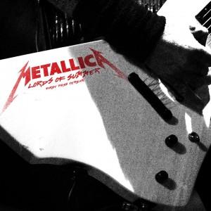 Guitarra com logo do Metallica - Foto: Divulgação