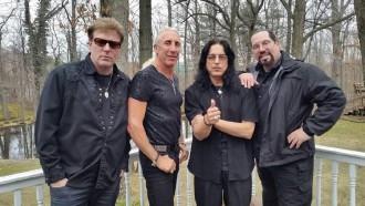 Formação restante do Twisted Sister, ainda se Mike Portnoy - Foto: Divulgação