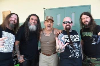 Slayer e o ator Danny Trejo - Foto: Divulgação