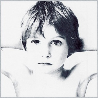 """U2 - Reprodução da capa do álbum """"Boy"""""""