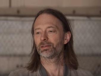 Thom Yorke em Reprodução no YouTube de trecho do clipe novo do Radiohead