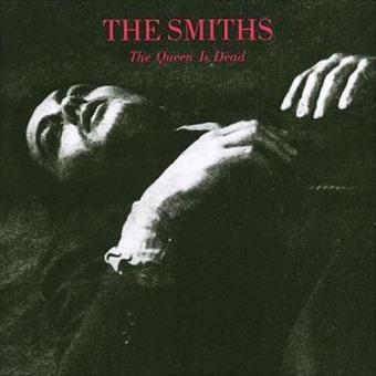 """""""The Queen ins Dead"""" - Reprodução da capa"""