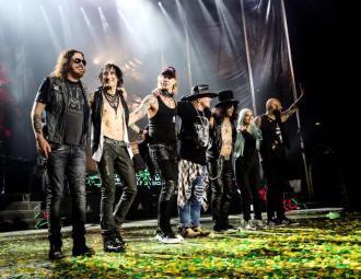 Guns N' Roses no fim do show em Brasília - Foto: Katarina Benzova