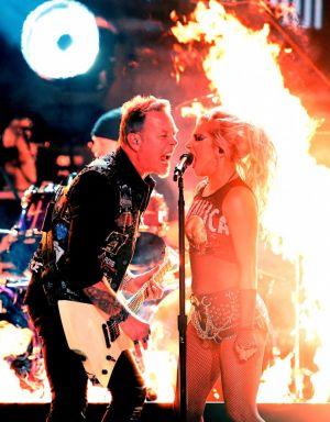 Metallica e Lady Gaga no Grammy 2017 - Foto: Divulgação Grammy/Kevin Winter/WireImage.com