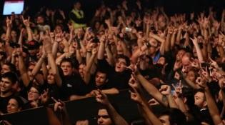 """Fãs do Sepultura no documentário """"Sepultura Endurance"""" - Foto: Divulgação"""